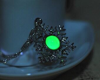 Frozen Inspired Snow Flake Glow In the Dark Necklace - Glow in The Dark Jewelry