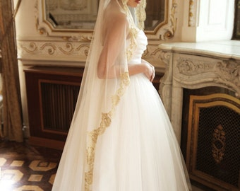 Golden lace mantilla veil, gold lace mantilla wedding veil, mantilla veil, floor length veil, Regal - Style V22