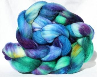Hand dyed roving, Purple / blue / green / yellow, Hand painted roving, Superwash Merino,  Spinning Fiber, spinning fibre