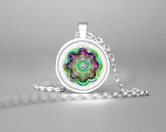 MODERN MANDALA PENDANT Mandala Jewelry Mandala Necklace Meditative Necklace Mandala Art Balancing Necklace Sacred Geometry Green