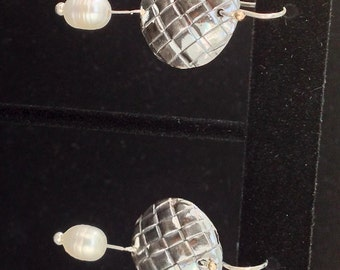 Woven Earrings with Pearl