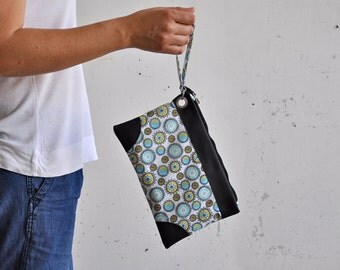 LAST ONE - wristlet clutch, wrist purse, wristlet wallet, iphone 6