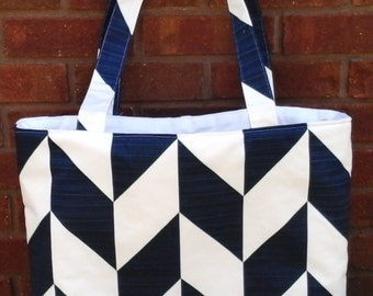 navy and white classic tote