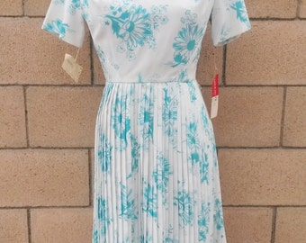 Deadstock 1960s Floral Dress by Leslie Fay, Modern Size 6