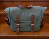Modern Design Canvas Messenger Bag - Unisex - Available in black & khaki