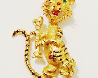 Free Shipping Vintage Gold Tone Swarovski White & Green stones Tiger Brooch.