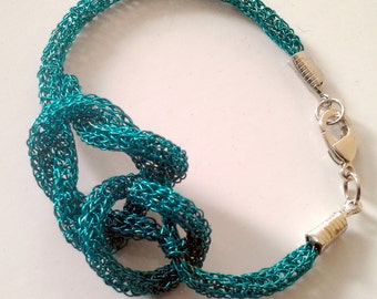 Viking knit Bracelet with a twist