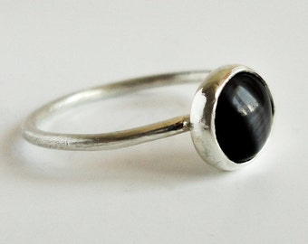 Sterling silver ring , Cat eye stone ring , Simple ring , Black stone ring.