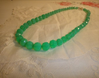 1930s faceted uranium glass bead necklace