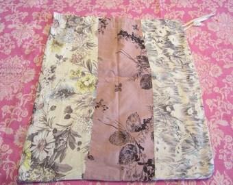 Drawstring bag - Vintage handmade patchwork fabric - 1950s