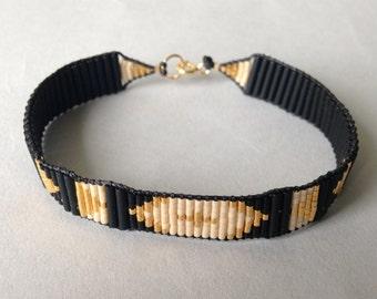 Tribal bead bracelet / Chunky layering bracelet / Black
