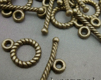 A10 - 10 Antique Gold Bronze Round Toggle Clasps Necklace Finding