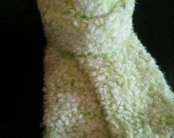 Little girl hat and scarf set knitted with happy yarn very soft color is sweet pea size 2