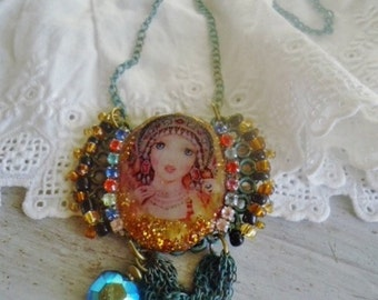 """Black crystal and """"magical"""" pendant necklace"""