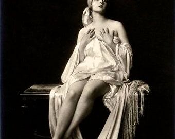 1920's Era Ziegfeld Follies Girl Helen Henderson-Silk Chemise-Black and White print - Multiple Sizes [730-046]