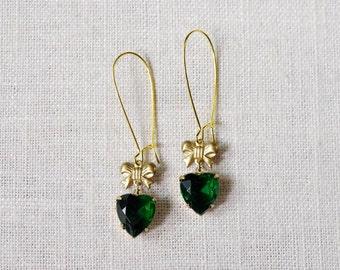CLEARANCE . coeur cadeau (emerald) . rhinestone heart earrings . emerald heart earrings . green bow earrings . green heart earrings
