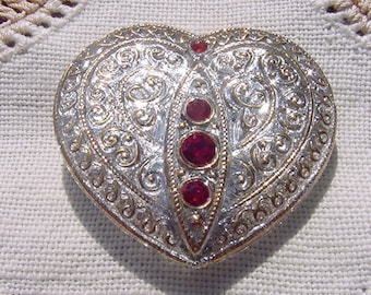 Crystalline Golden Lace Rhinestone Heart Czech Glass Button