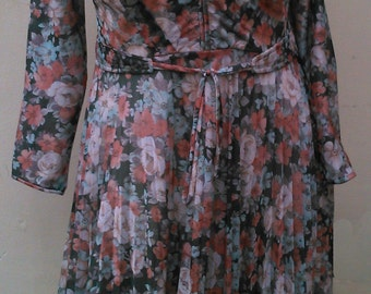 Vintage Size 20 Floral Green and Terracotta Dress