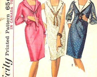 One Piece Dress with V Neckline Bust 32 Simplicity 5926