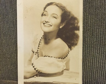 Actress Dorothy Lamour (1914-1996) Printed signed photograph