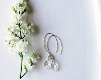 Crystal Earrings for the Modern Bride / Clear Swarovski Crystal Earrings / Sterling Silver Wedding Earrings / Bridal Jewelry