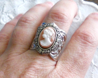 oSO ARIANE OSo pink cameo silver ring
