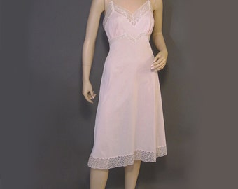 Vintage 50s Full Slip Pink Nylon Silky Lacy Seamprufe 36
