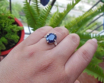 Blue sapphire ring -Prong set ring - Faceted ring - Deep blue ring - September birthstone ring - Gift for her