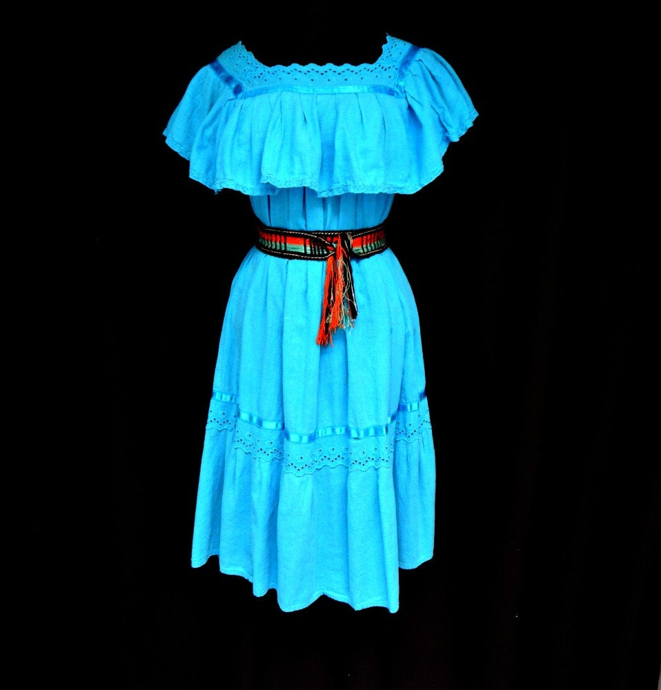 Turquoise blue mexican peasant dress 70s by cloudninevintage