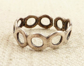 Size 7 Vintage Sterling Ring of Circles
