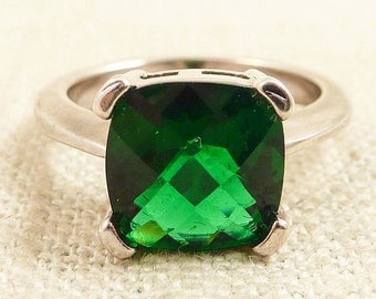 Size 5.25 Vintage Emerald Glass Sterling Ring