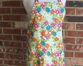 Women's Full Aprons, Spring Bees, Yellow Apron, Spring Flowers Apron, Pocket Aprons, Bib Aprons, Kitchen Aprons, Daisy Aprons, Garden Aprons