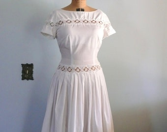 vintage 1950s Dress  // White dress with lace insets