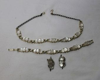 Vintage Mother of Pearl Jewelry Set, Choker, Bracelet, Clip On Earrings