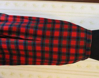 Vintage 1960s PENDLETON Red Tartan Plaid Wool Midi Skirt Medium