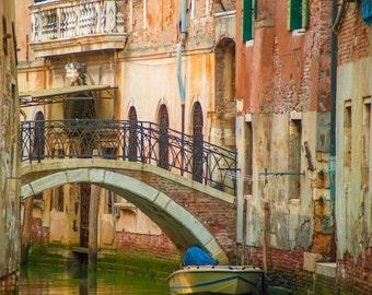 Venice Photography, Italian Canal Gondola Boat Shabby Chic House Building Balcony Architecture Photograph ven80