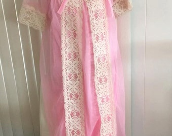 Pretty in Pink Vintage Pin Up Two Piece Peignoir Set -- Medium-Large