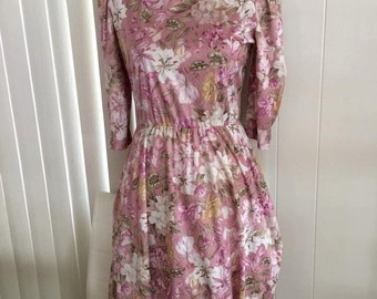 SALE Pretty Vintage 70's Silky Lilly Print Dress in Pinks -- Size M-L
