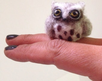 Miniature Great Horned Owl Needle Felt Soft Animal Sculpture Collectible Totem