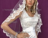 Spanish lace veil Mantilla with scalloped lace edge design with beads and sequences for Catholic wedding, bridal lace veil, wedding veil