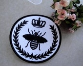 """4"""" Round Black & White Embroidered Silhouette Napoleonic Bee Applique  with Wreath and Crown Regal Sew On Patch French Decor Needlework S124"""