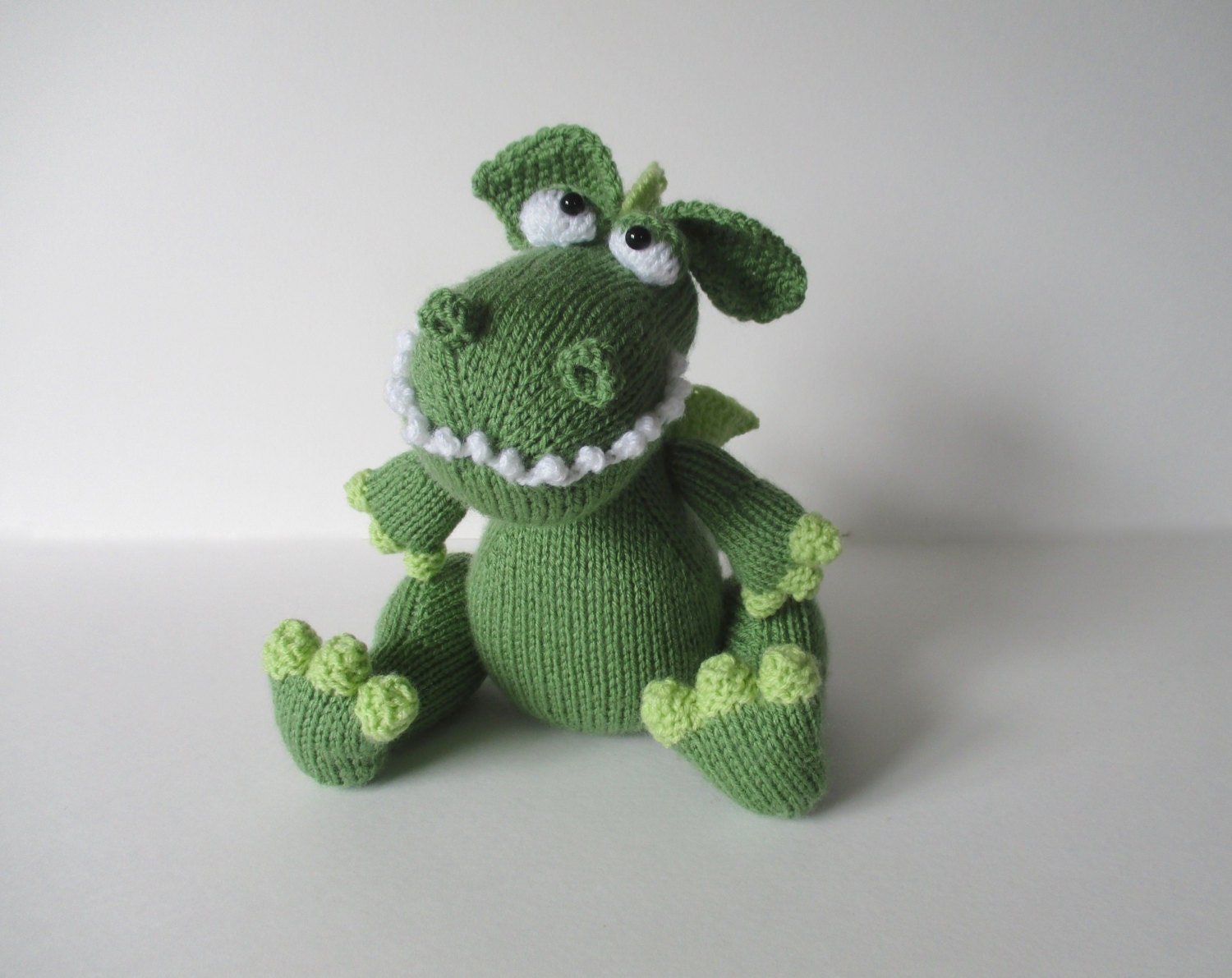 Knit Dragon Pattern : Griff the Dragon toy knitting pattern