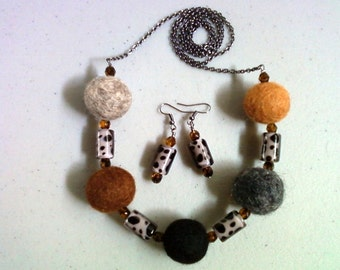 Felted Jungle Necklace and Earrings (0934)