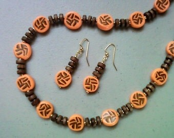 Peachy Orange, Brown and Gold Necklace and Earrings (1230)