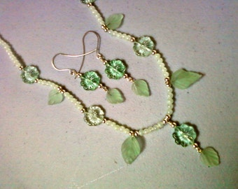 Light Green Flower and Leaf Necklace and Earrings (0488)