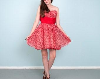 50's Party Dress Red & White Paisley Taffeta Full Swing Skirt Strapless Xsmall