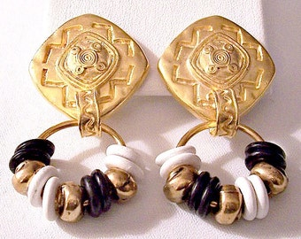 White Black Disc Hoops Clip On Earrings Gold Tone Vintage Satin Diamond Imprinted Art Thin Large Ring
