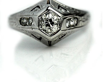 Vintage Diamond Engagement Ring in 14 Kt White Gold Vintage Diamond Ring 1940's
