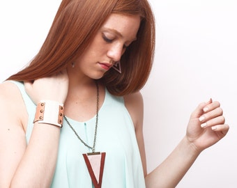 TRIA leather necklace