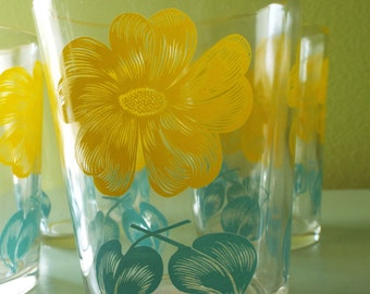 Vintage Tumblers Painted Glassware 1950s Yellow Daisy Motif